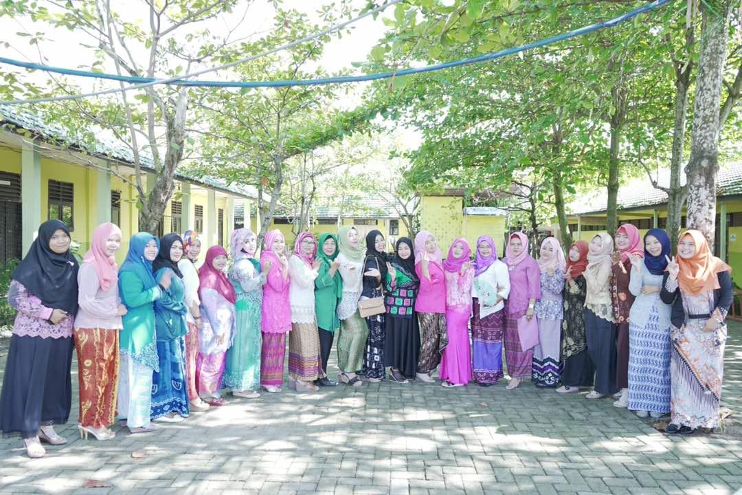 Peringatan Hari Kartini 2017 Di SMK Bina Banua Banjarmasin