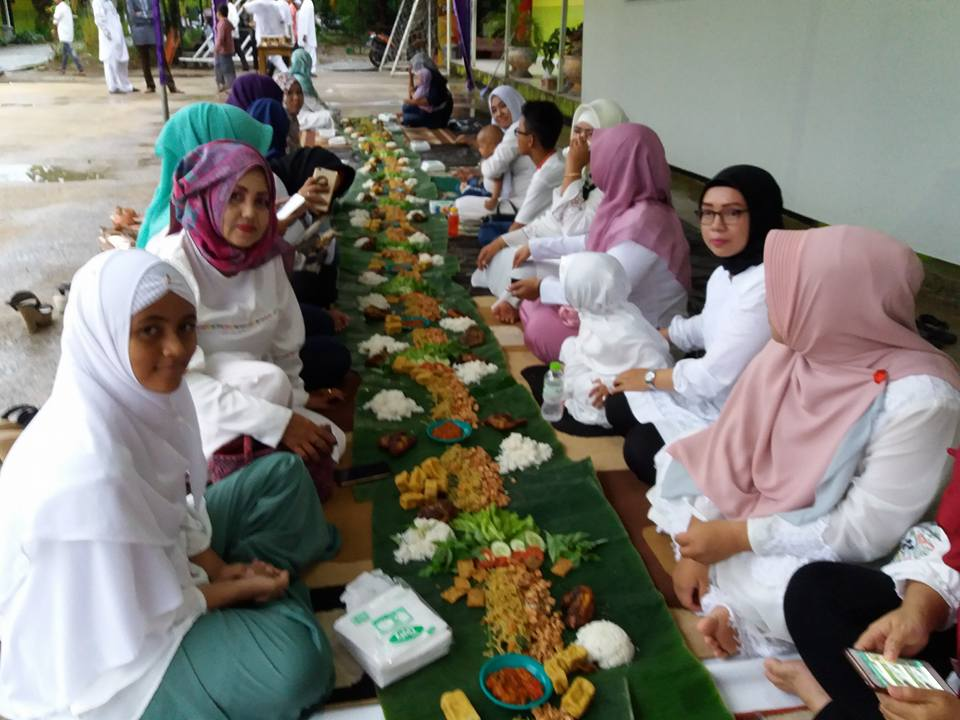 Acara Buka Bersama Para Dewan Guru dan Alumni Di SMK Bina Banua Banjarmasin