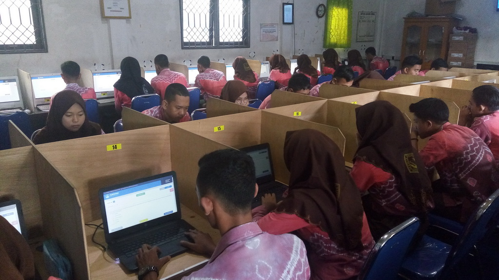 Simulasi UNBK SMK Tahun 2019 Di SMK Bina Banua Banjarmasin
