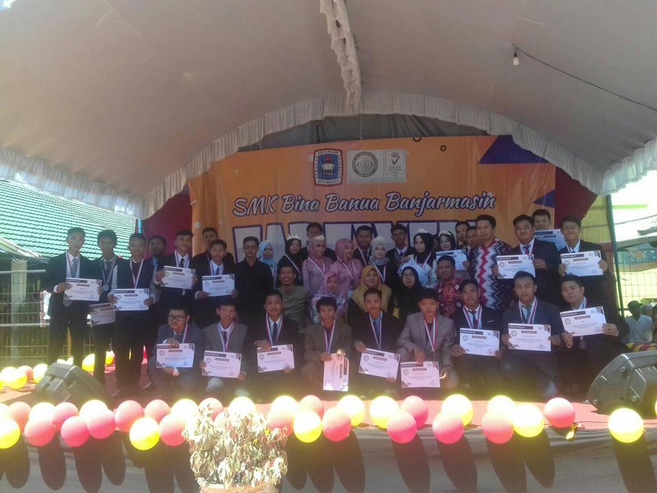 Perpisahan Kelas XII Tahun 2019 Di SMK Bina Banua Banjarmasin
