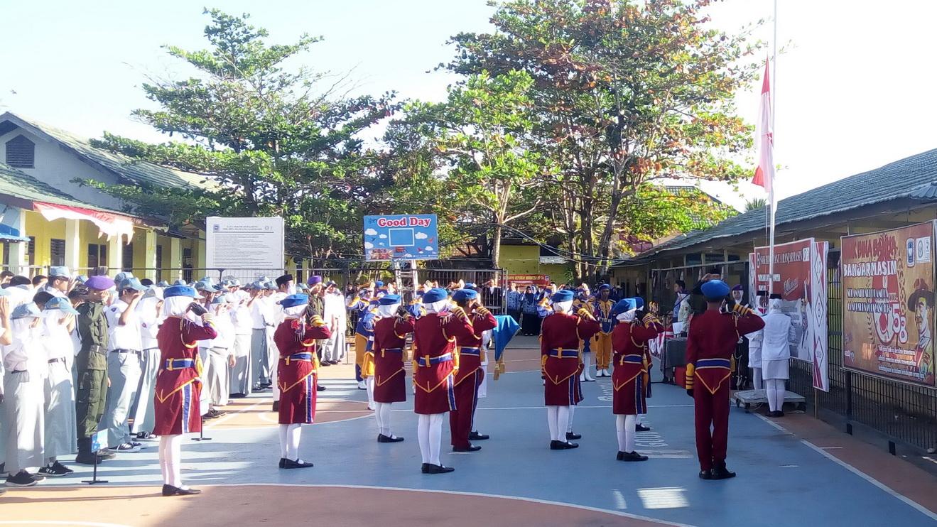 Peringatan HUT RI Ke 74 Di SMK Bina Banua Banjarmasin