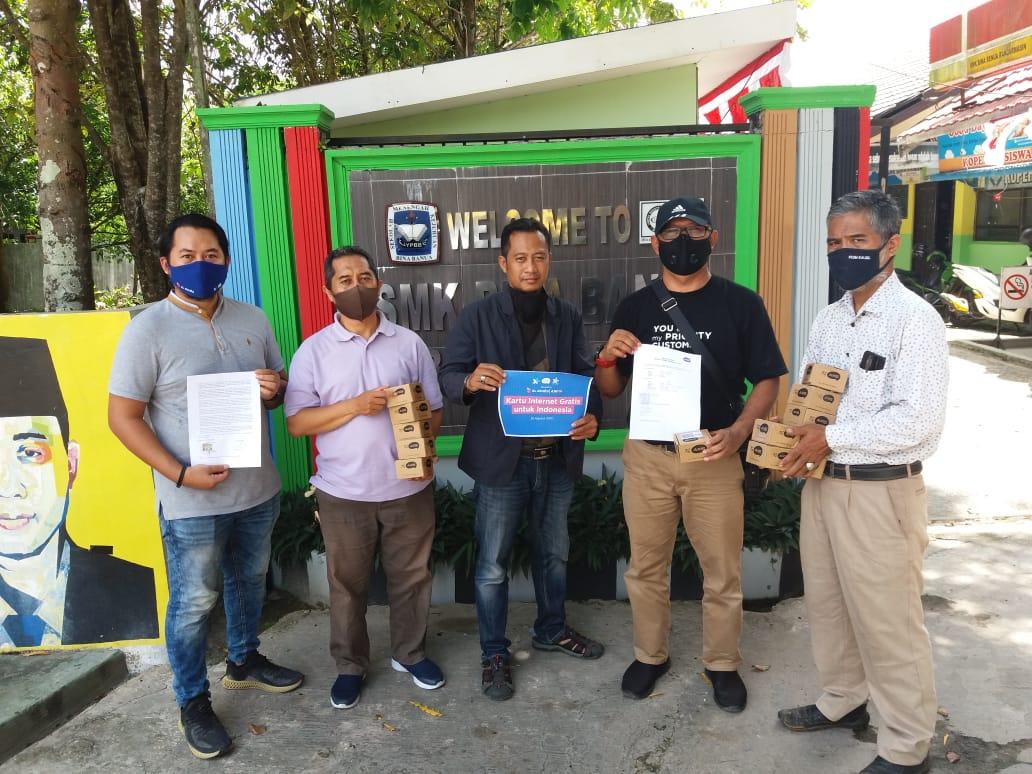 Dukungan AXIS Dalam Belajar Daring Di SMK Bina Banua Banjarmasin